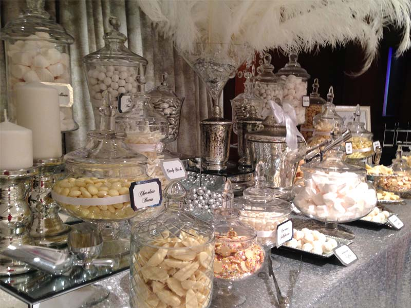 Pleasant Wedding Candy Buffet In Silver And White Candy Buffets L Download Free Architecture Designs Embacsunscenecom