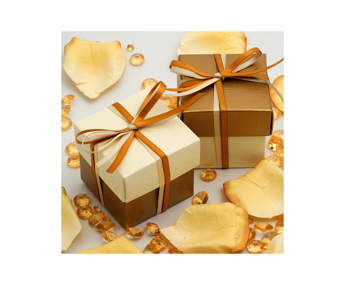 Two Tone Favour Box Gold and Ivory x 10 (Min 5)