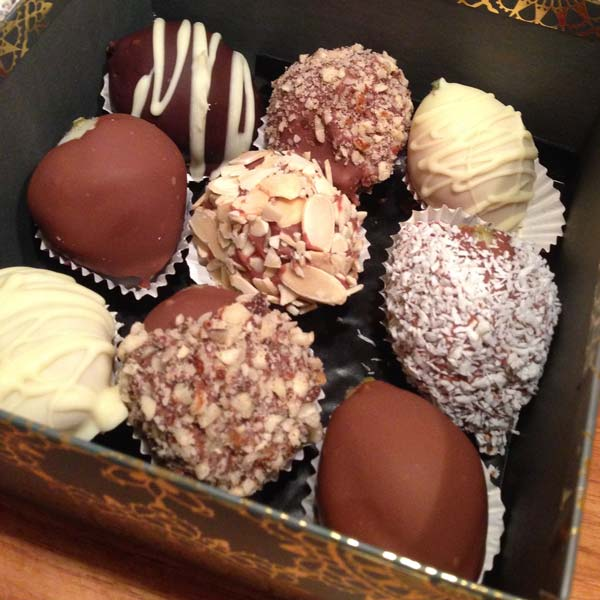 Chocolate Dipped Strawberries Box of 9