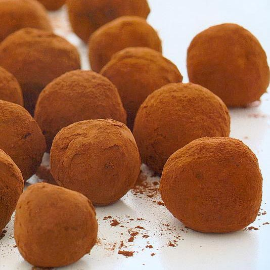 Hand made chocolate truffles candy buffets l sweetie for White chocolate truffles recipe uk